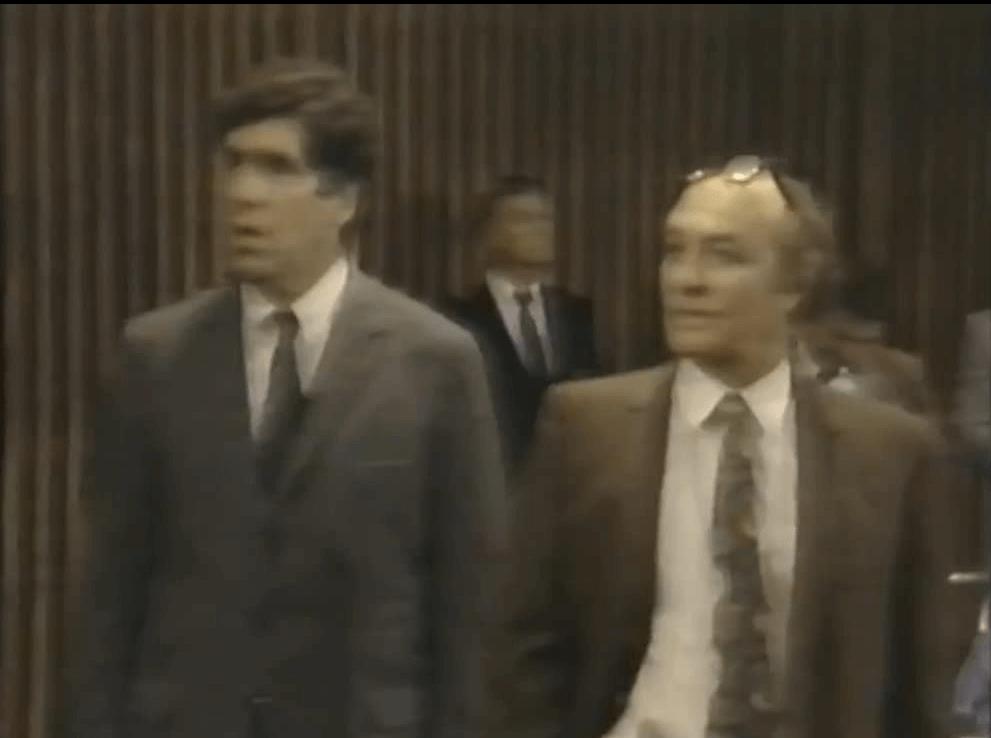 Elliott Gould asLeonard Weinglass and Robert Loggia as William Kunstler